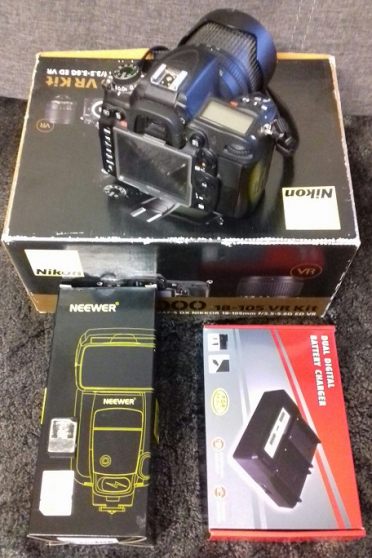 Nikon semi-pro D7000 avec accessoires
