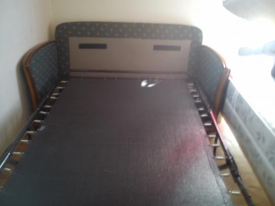 canapé lit bonne etat