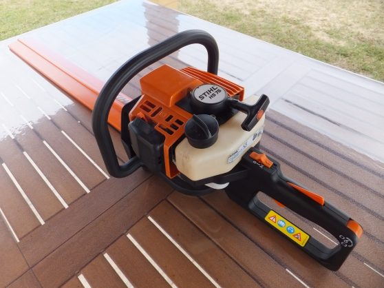 Annonce occasion, vente ou achat 'Taille haie STIHL 75'