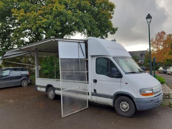 Camion Magasin base RENAULT MASTER 2.8