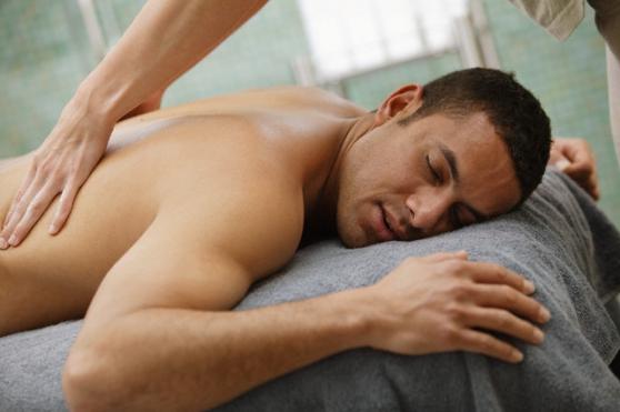 Massage fullbody pour hommes par masseur