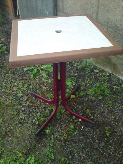 Table de jardin (café, bar)