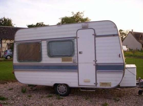 don de caravane adria ann e 1980 tr s bo saint denis caravanes camping car caravanes adria. Black Bedroom Furniture Sets. Home Design Ideas
