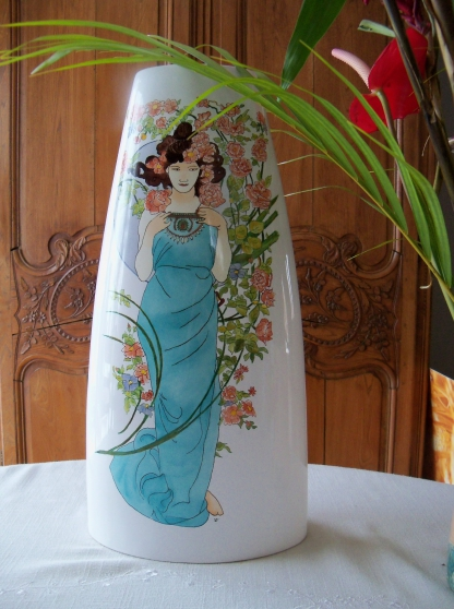 vase en faience  decor style mucha - Annonce gratuite marche.fr