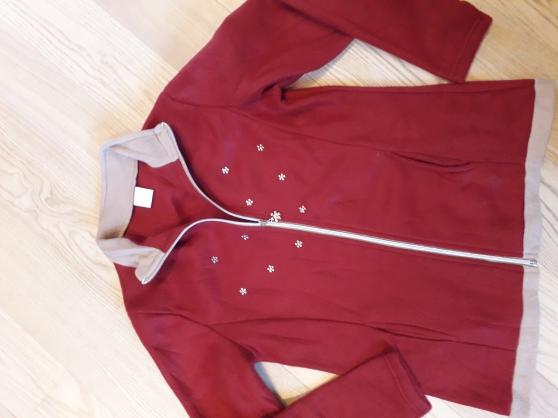 Annonce occasion, vente ou achat 'Veste polaire rouge avec strass T.38/40'