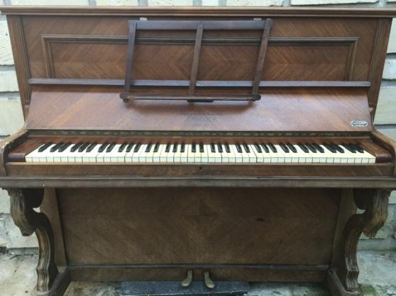 Piano droit chêne