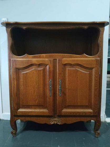 Annonce occasion, vente ou achat 'Meuble avec niche bois massif'