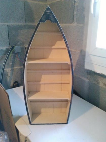 barque en bois de rangement avec tag re niort meubles d coration divers meubles. Black Bedroom Furniture Sets. Home Design Ideas