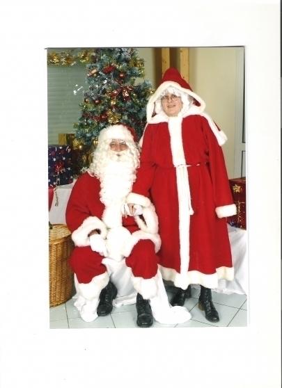 Père et Mère Noel à domicile