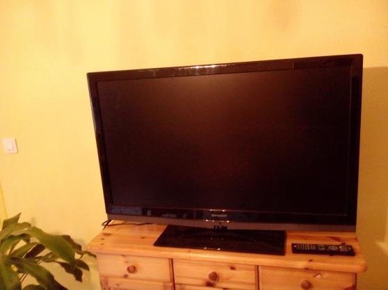 Télé lcd 106 cm sharp
