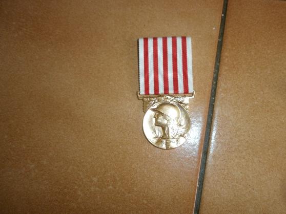 medaille  14/18 - Annonce gratuite marche.fr