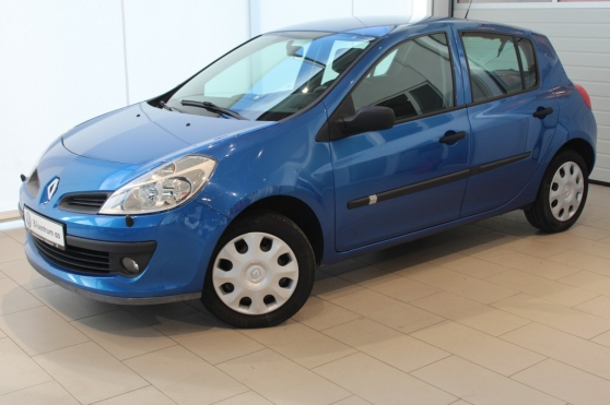 renault clio 3 bleu ann e 2006 prix 150 auto renault. Black Bedroom Furniture Sets. Home Design Ideas