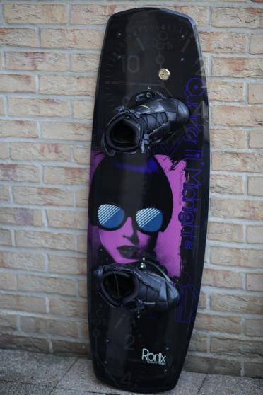 wakeboard et chauss ronix : 400 euros - Annonce gratuite marche.fr