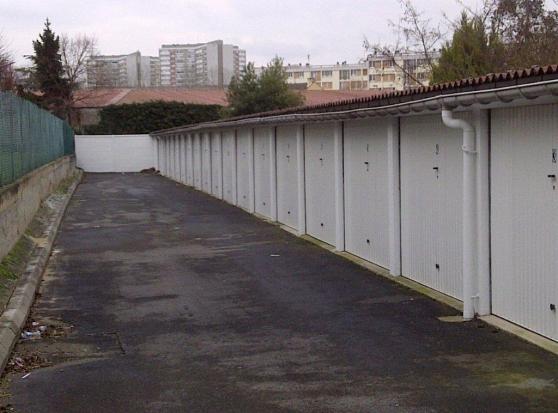 Grand box meaux immobilier location parking box garage for Garage auto meaux