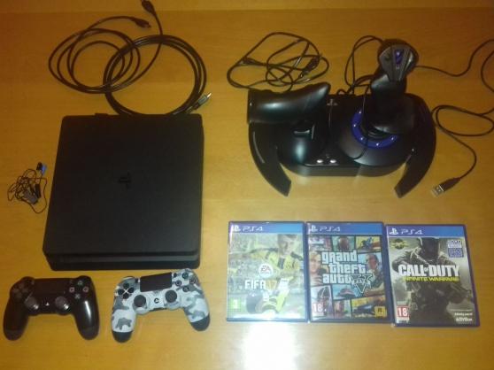 PS4 slim 500go avec 3 jeux et joystick