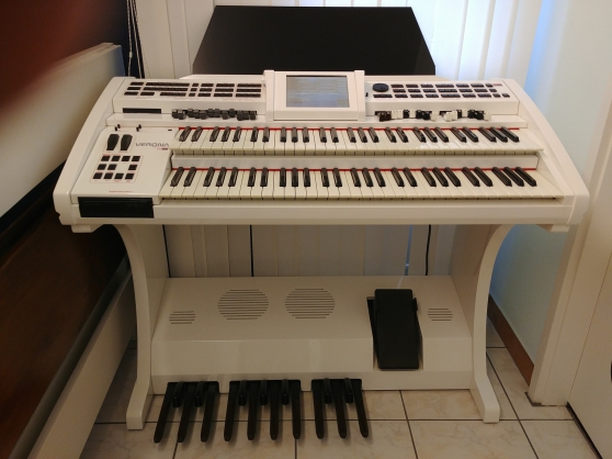 Vends Orgue élec. WERSI VERONA BLANC