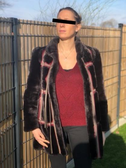 Manteau fourrure et cuir noir /bordeaux