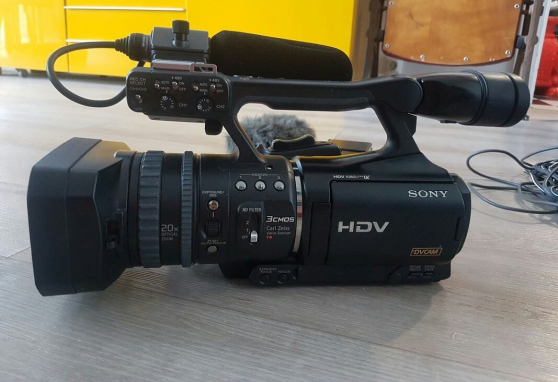Annonce occasion, vente ou achat 'Caméscope Sony HVR-V1E'