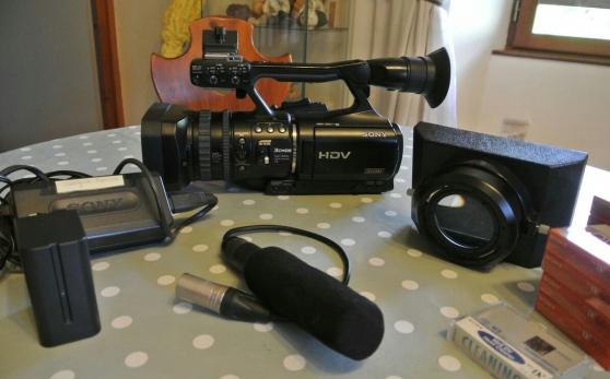 Annonce occasion, vente ou achat 'Caméscope Sony Handycam HDR PJ10 et sa p'