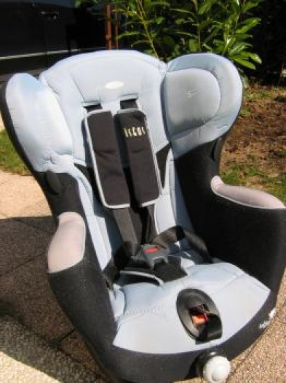 Annonce occasion, vente ou achat 'Siège auto isofix iséos bébé confort tbe'