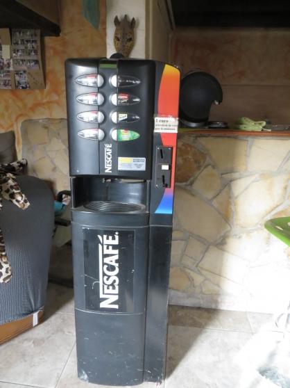 distributeur de boissons chaudes h tellerie mat riels occasion aubagne reference h t mat dis. Black Bedroom Furniture Sets. Home Design Ideas