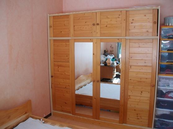 Armoire penderie portes coulissantes meubles d coration for Meuble tele armoire