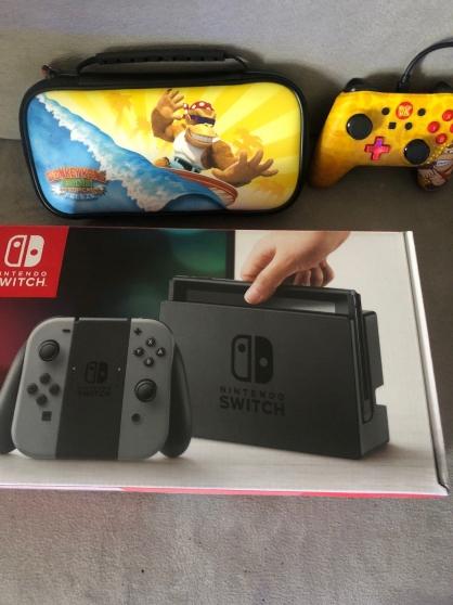 Annonce occasion, vente ou achat 'Console nintendo switch Grey +3 Jeux'