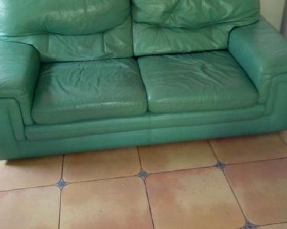 vend canapé cuir convertible