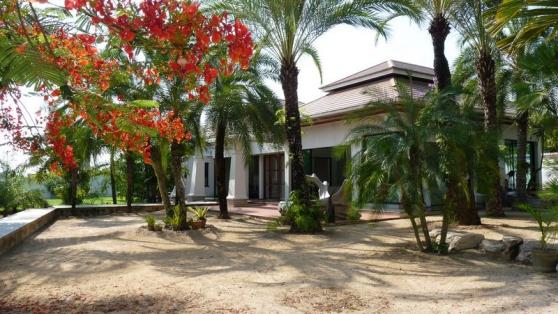 BELLE VILLA DE 480 m2 SUD PATTAYA