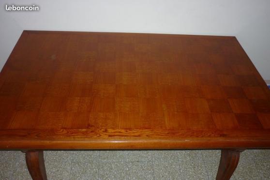 Urgent TABLE BOIS MASSIF