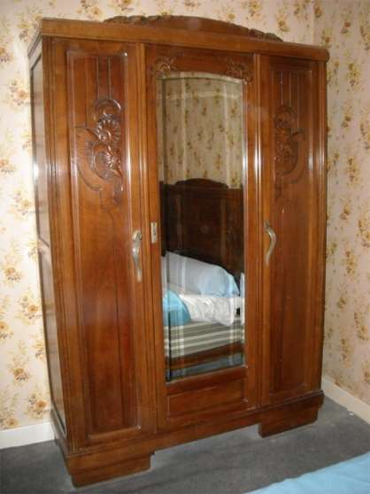 armoire en noyer massif ann es 30 la ch tre antiquit art brocantes meubles anciens la. Black Bedroom Furniture Sets. Home Design Ideas