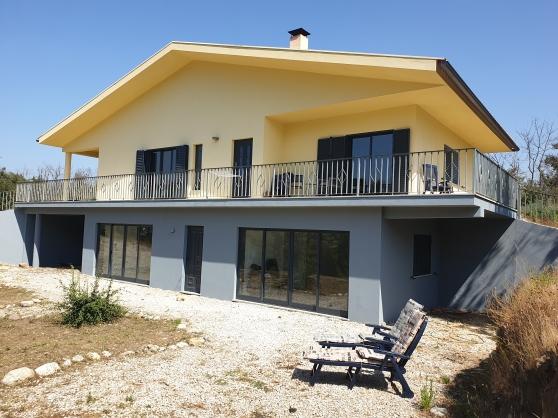 Villa au bord de la rivière au Portugal