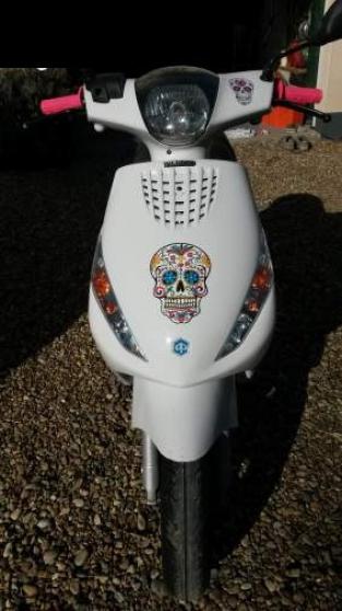 Annonce occasion, vente ou achat 'piaggio zip Scooter 50cc'