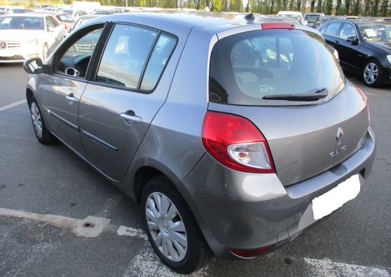 Renault Clio III 1.2 16V 75CH EXPRESSION