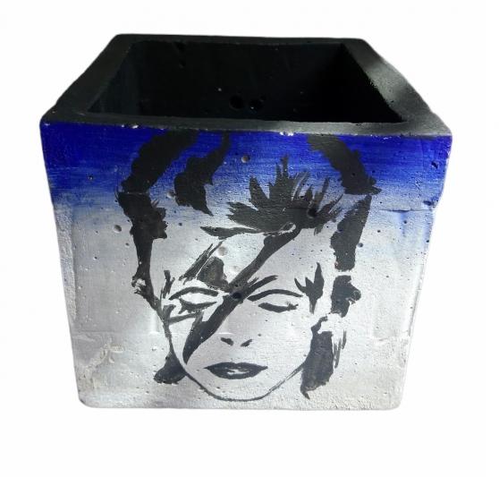 Annonce occasion, vente ou achat 'Porte crayon pot de fleur bleu'