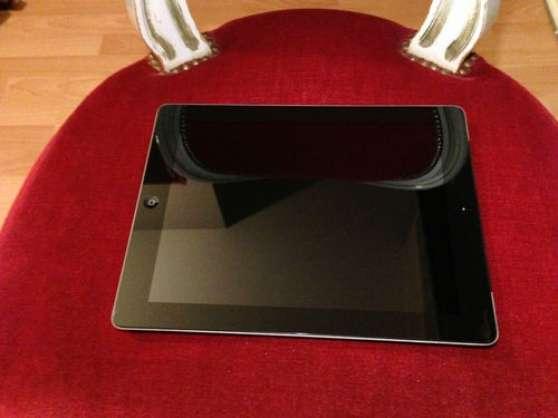 iPad 2 WiFi + 3G 64 Go noir (quasi-neuf)