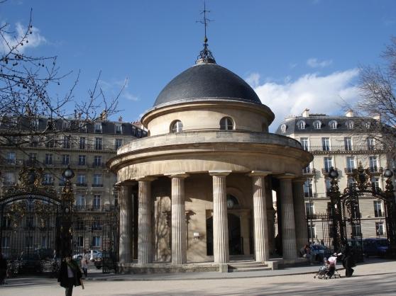 Jusqu a 4, proximité Champs Elysées- pa