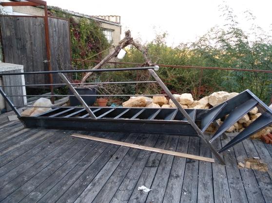 Escalier en métal quart tournant