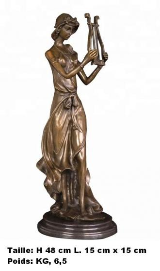 Petite Annonce : Sculpture \'\' dame faisant de la musique - Sculpture \'\' Dame faisant de la musique de Coudray \'\'  en bronze
