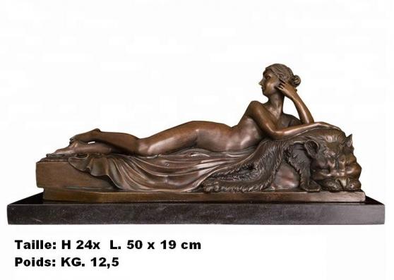 Petite Annonce : Fille nue avec chat  de a.canova - Sculpture \'\'  Fille nue avec chat  de A.Canova \'\'  en bronze de