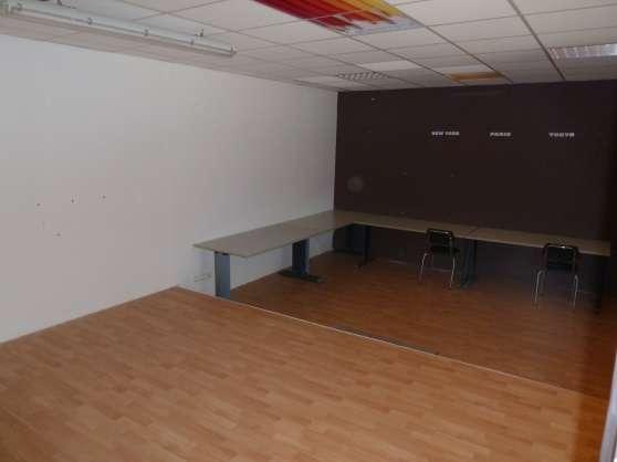 a louer bureau 50 m2 le pradet