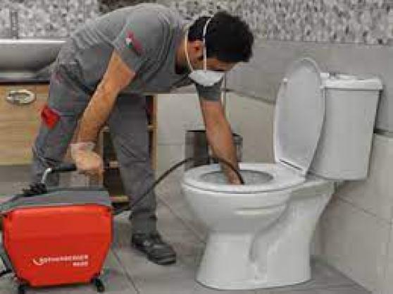 Débouchage WC par un plombier pro