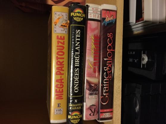 plusieurs VHS et DVD pour adultes