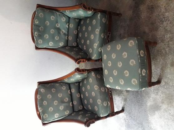 2 fauteuils et 1 pouf - Annonce gratuite marche.fr