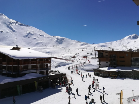 ARC 2000-4/5 pers-Skis aux pieds-Balcon
