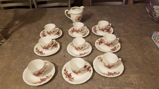 Annonce occasion, vente ou achat 'Service a café véritable porcelaine de f'