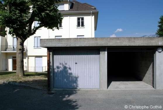 Loue grand garage au Bourget-du-Lac