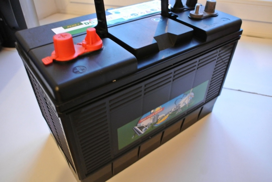 batterie servitude 125ah garantie 4ans caravanes camping car equipement de camping nantes. Black Bedroom Furniture Sets. Home Design Ideas