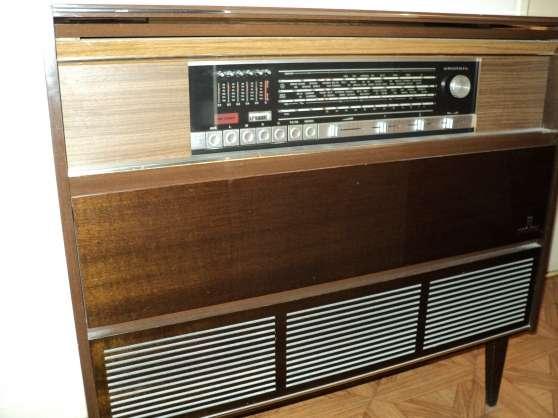 meuble hifi grunging avec tourne disque audio t l dvd cd cha ne st r o st laurent du. Black Bedroom Furniture Sets. Home Design Ideas