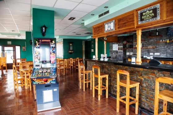 bar restaurant en Espagne 160m2
